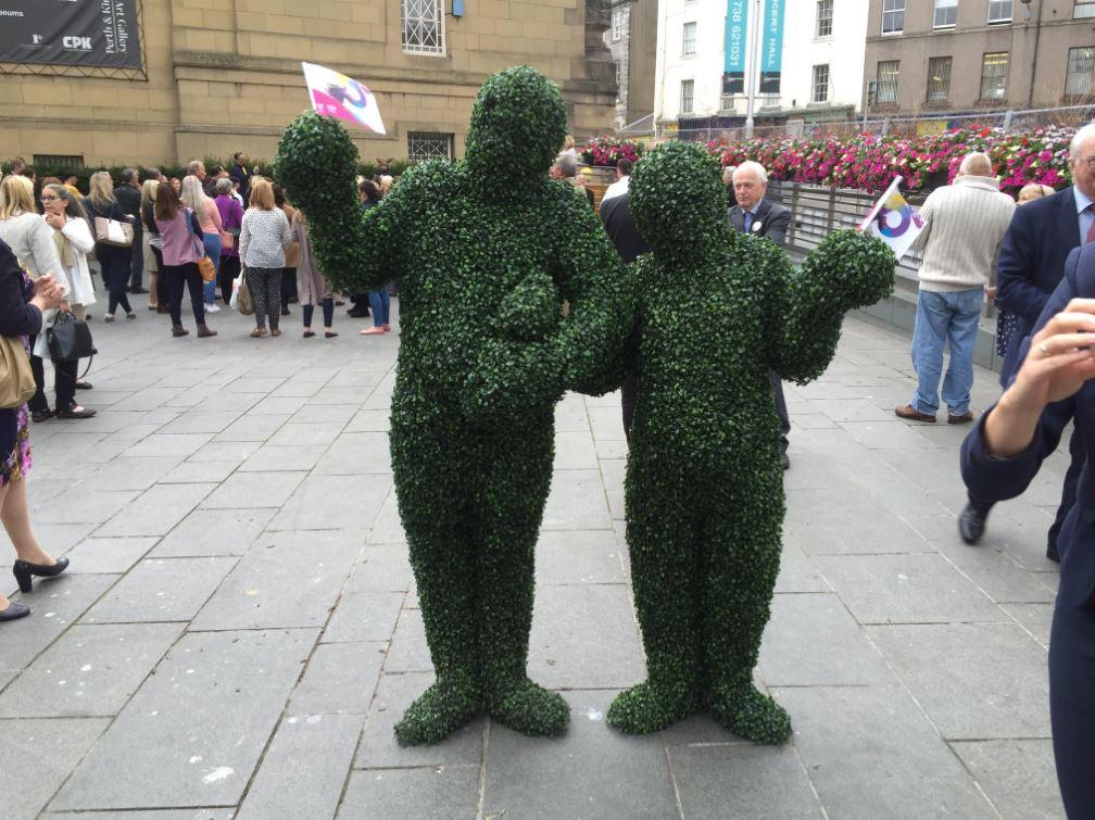 Hire Human Hedges