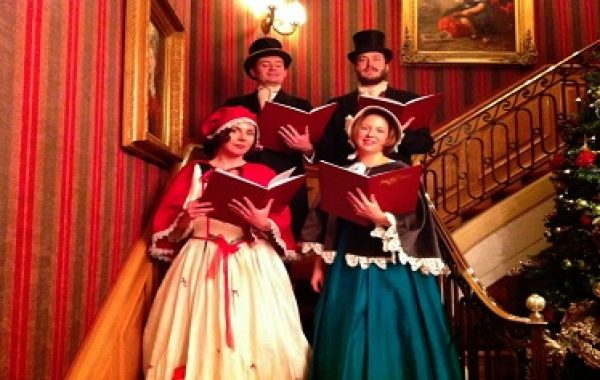 Traditional Christmas Carol Singers