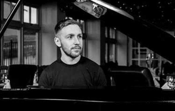 Alex Taylor – Tribute to Gary Barlow