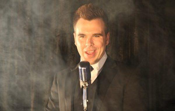 Swing Singer Luke Gessner